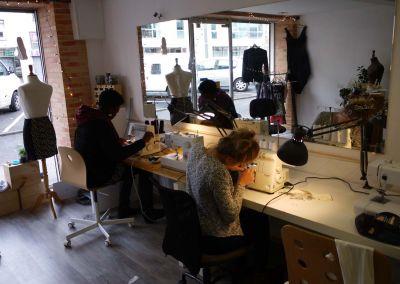 Élèves cours de couture